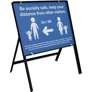blue social distancing temporary sign - be socially safe (600 x 450mm)